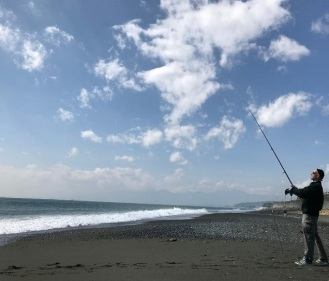 fishing at the beach (3)