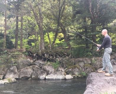 fishing riverside yugawara (1)